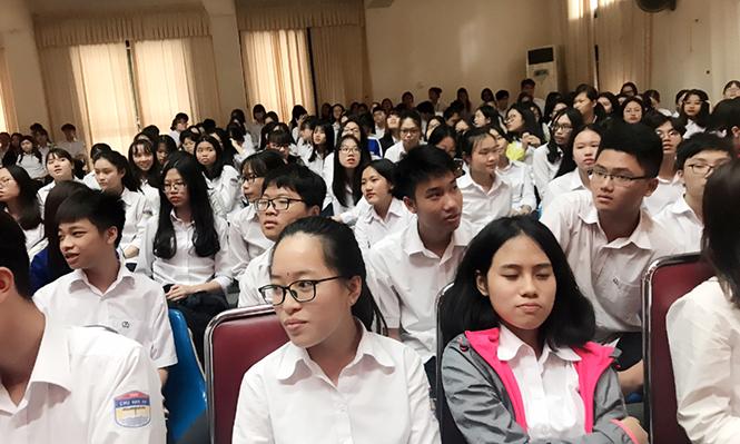 181026 tu sach Chu Van An 03